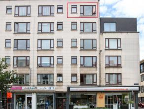 In 2014 volledig vernieuwd luxe-appartement met 1 slaapkamer op zeer centrale ligging. Instapklaar en mooi uitzicht. Meubels kunnen eventueel blijven.