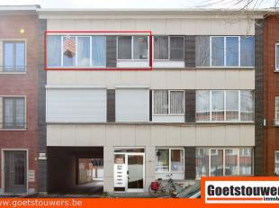 In een mooie groene laan gelegen appartement met 2 slaapkamers. Het betreft een verzorgd aangenaam kleiner gebouw. Badkamer met ligbad en ingerichte k