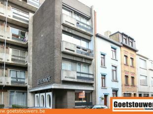 Verzorgd gelijkvloersappartement met 2 slaapkamers en autostaanplaats in degelijk appartementsgebouw aan stadsrand. Gunstig gelegen op kleine afstand