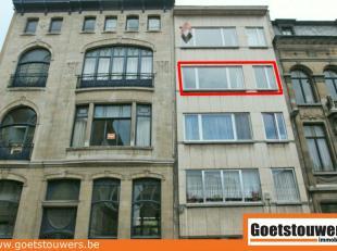 Zeer gunstig gelegen appartement met 2 slaapkamers & balkon nabij Jan van Rijswijcklaan. Lift aanwezig. Mogelijkheid fietsen te plaatsen in garage