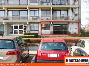 Groot gelijkvloersappartement (120m²) te Deurne Noord met 4 slaapkamers, een living, een volledig ingerichte keuken (ook wasmachine en droogkast