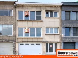 Kleinschalig appartementsgebouw bestaande uit 2 appartementen met elk 2 slaapkamers, een gedeeld gelijkvloers met garage, wasplaats/bergruimte en tuin