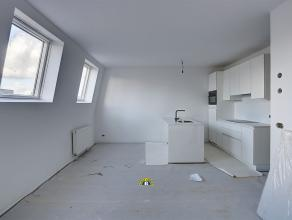 Prachtig luxueus gerenoveerd appartement met terras op een toplocatie aan de Leien! Het gebouw wordt volledig gerenoveerd en is te vergelijken met nie