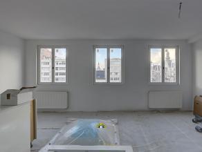 Prachtig luxueus gerenoveerd appartement met groot terras (ca. 15 m2) op een toplocatie aan de Leien! Het gebouw wordt volledig gerenoveerd en is te v