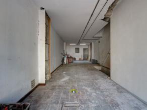 Te renoveren handelsruimte/winkel/kantoor met veel potentieel, centraal gelegen vlakbij het historische hart van Antwerpen. Uiteraard winkels (Anselmo