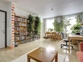 Zeer leuk en meteen instapklaar 1-slaapkamer appartement met leuk terras van ca 12 m² gelegen in een klein gebouw (lage onkosten!, slechts 3 appa