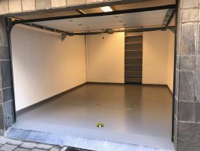 Goed gelegen ruime garagebox met kelder (ca 25 m² met 25m² kelder), ideaal gelegen vlakbij UFSIA, universiteit Antwerpen, diverse Hogeschole