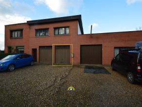 Goed gelegen magazijnruimte va ca. 70m² langs verbindingsweg tussen Wuustwezel en Gooreind. INDELING: - Garage / werkplaats / opslagruimte van ca