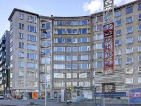 Zeer ruim 5-slaapkamer appartement van ca. 260 m² met 2 badkamers en groot terras van ca. 20 m² met mogelijk ondergrondse staanplaats. Geleg