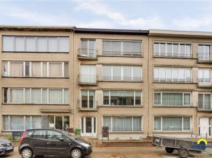 Verzorgd en goed onderhouden appartement +/-90m² op eerste verdieping met 2 slaapkamers, aparte berg/bureaukamer alsook 2 kelderbergingen - gemod