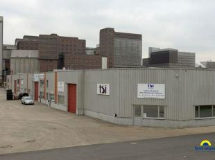 Magazijnruimte te huur in Merksem nabij het Albertkanaal<br /> Dit bedrijvencomplex bestaat uit 27 hallen van diverse afmetingen. Het complex is geleg