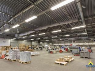 Ruim magazijn/ atelier te huur op een TOPlocatie te Lier. Betreft hier over een ruim magazijn, met een achterliggende afwerkingsatelier/ extra opslagr