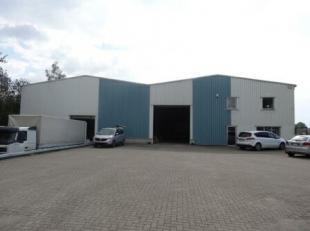 Multifunctioneel bedrijfsgebouw met een strategische ligging, op enkele minuten van de E314 en in de nabijheid van de N75.
