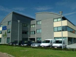 Kantoorgebouw gelegen langs de Grote Ring van Hasselt. <br /> Beschikt over een grote ondergrondse parking en buitenparking.