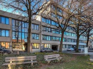 Kantoren te huur in Groeninghe-complex nabij UZ Gent.