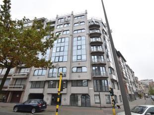 3 slaapkamer appartement met mooie terrassen gelegen op de tweede verdieping met zicht op het Stadspark. 2 autostaanplaatsen alsook een kelderberging