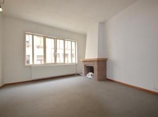 Te midden van de stad in het historische stadscentrum bevindt zich dit duplex appartement met mooi terras en kantoorruimte. Ideale combinatie wonen-we
