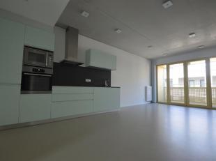 Nieuwbouwappartement van ca. 76m2 op de vierde verdieping met 1 slaapkamer en een tweede ruimte geschikt voor dressing of kinderkamer met terras, gele