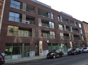 Op het trendy Zuid bevindt zich dit appartement met 2 slaapkamers, 2 terrassen en parking.