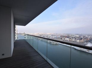Schitterend drieslaapkamer appartement op de 13de verdieping met fenomenaal zicht.<br /> Indeling: Inkomhal met gastentoilet en berging met aansluitin
