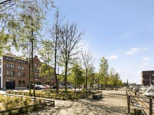 Op absolute toplocatie met frontraal zicht op de Jachthaven bevindt zich deze riante loft met mooi terras en parkeergelegenheid.<br /> Indeling: Via d
