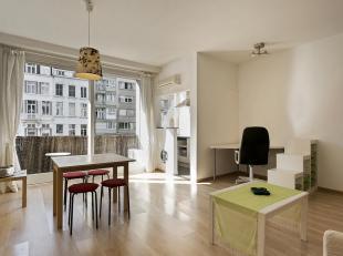 Studio appartement op gunstige locatie, ideaal als investering.<br /> Indeling: Apart toilet, open keuken, slaapkamer achterliggend met direct toegang
