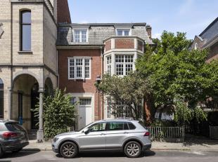 Karaktervolle woning met garage en een prachtige tuin in één van de meest residentiële buurten van Antwerpen.<br /> Indeling: Inkom