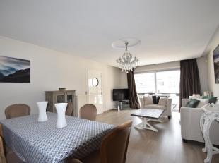 Gemeubeld appartement nabij Meir en centraal station<br /> Indeling: Inkomhal met gastentoilet en vestiaireruimte. Zonnige leefruimte met toegang tot
