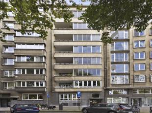 Ruim drie slaapkamer appartement van ca 168m2gelegen op de prestigieuze Prins Albertlei met privatieve tuin van ca 200m2.<br /> Indeling:<br /> U betr