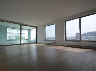 Twee slaapkamer appartement op het Eilandje van ca. 100 m2 met zicht op het Kattendijkdok- Westkaai<br /> Indeling:<br /> Inkomhal, gastentoilet, berg