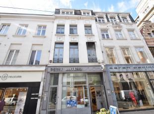 Ruim 1 slaapkamer appartement inDE winkelbuurt van Antwerpen.<br /> Het appartement bevindt zich op de tweede verdieping.<br /> Zeer ruime woonkamer m