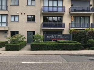 Bien professionnel à vendre                     à 2610 Wilrijk