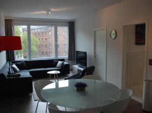 Stijlvol gerenoveerd gemeubeld appartement<br /> Indeling: Hal met vestiairekast. Zonnige leefruimte en luxueus uitgevoerde keuken. Slaapkamer en mode