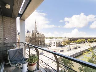 Prachtig twee slaapkamer appartement met parking op toplocatie aan het Eilandje en met zicht op het Bonapartedok en het MAS.<br /> Indeling: Inkomhal