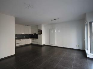 Modern nieuwbouwappartement (verd 2) met 2 slaapkamers op toplocatie, 't Zuid. Vanuit de ruime leefruimte met open keuken (kookplaat, gecomb. oven/mic