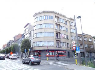 Dit hoekappartement is bevindt zich ter hoogte van Turnhoutsebaan en Gravinstraat. Gelegen op de 4de verdieping in een gebouw met lift. <br /> <br />