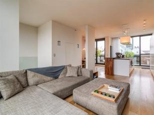 Schitterende penthouse (duplex) in Residentie Dockside met 2 terrassen gelegen op het bruisende Eilandje.Indeling :Op de derde verdieping betreedt u h
