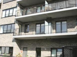 Nieuwbouw gelijkvloers appartement met zuigerichte tuin en terras op centrale ligging in Deuren Zuid.<br /> Indeling :<br /> Inkomhal met vestiaire<br