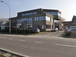Kantoorgebouw te Kontichsesteenweg 38, 2630 Aartselaar: VOORBOUW.<br /> Bebouwde oppervlakte 735m² (gevel 24,5m x diepte 30m)<br /> Voorperceel g