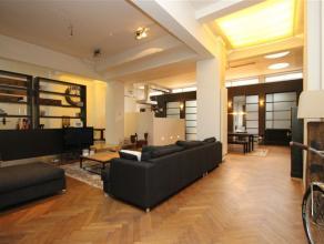 Prachtige gemeubelde LOFT van circa 235m² gelegen op de gelijkvloerse verdieping te huur.Deze loft met industriële look heeft een aparte ink