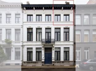 Gezellige duplex op 2de verdiep van een stijlvol volledig gerenoveerd herenhuis in een leuke buurt van Antwerpen centrum. <br /> Beneden: living, ge&i