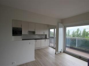 Ruim twee slaapkamer appartement, recentelijk volledig gerenoveerd. Met prachtig zicht over Antwerpen.<br /> Het appartement is gelegen op de 6de verd