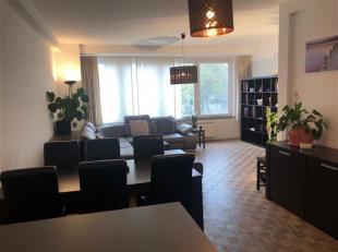 Stijlvol GEMEUBELD appartement in hartje Antwerpen.<br /> Het appartement is gelegen op de derde verdieping van het gebouw en omvat :<br /> mooie ruim