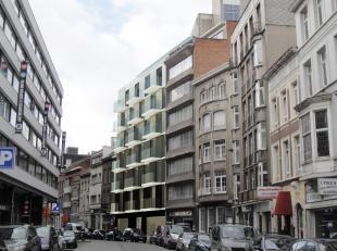 NIEUWBOUW project gelegen aan de Appelmansstraat 28/32 te Antwerpen.De 3 bestaande panden worden gesloopt. Er komen 3 woningen per verdiep (3x6=18), 2