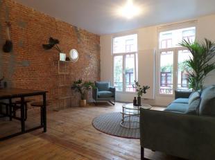 In een charmant, warm gebouw vindt men hier een zalig aangename woonst met alle comfort. Een investering die altijd opbrengt. De appartementen hebben