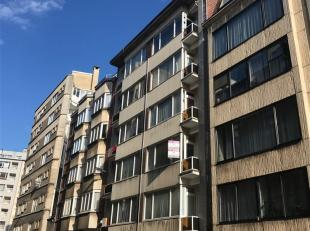 Gezellig één slaapkamer appartement gelegen nabij het Stadspark. Dit centraal, doch rustig gelegen appartement werd grotendeels gerenove