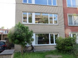 Aangenaam 2 slaapkamer appartement (ca 82m²) met balkon gelegen op de 2de verdieping van een klein gebouw (met in totaal 3 appartementen).  Ideaa