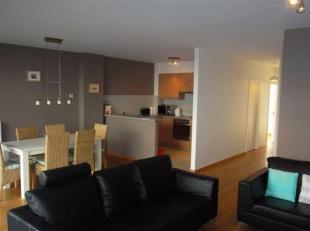 Prachtig en functioneel gemeubeld appartement met 2 slaapkamers en autostaanplaats gelegen op het ZUID! Woonkamer en eetkamer met toegang tot het terr