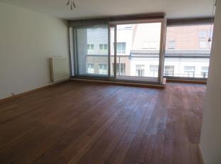 Zeer aangenaam functioneel 2 slaapkamer appartement (ca 95m²) met 2 terrassen evenals ondergrondse autostaanplaats en dit in hartje Antwerpen Zui