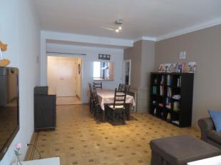 Functioneel en ruim gemeubeld 2 slaapkamerappartement met terras. Het appartement is gelegen op de 4de verdieping van een netjes onderhouden gebouw. H